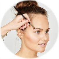 Styling eyebrows