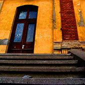 Orange Building Thumbnail